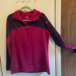 Woman's NIKE dry fit sweat shirt